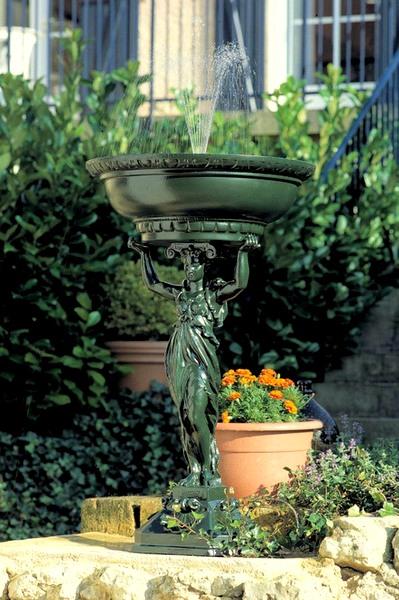 Fontaine de jardin: découvrez la qualité des Fontes d\'art de ...