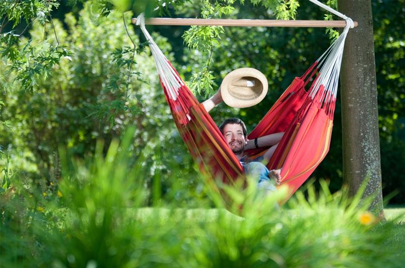 Jardin Le Jardindeco Détente Une Chaise Instant Hamac Pour Un Dans DHYE29IbeW