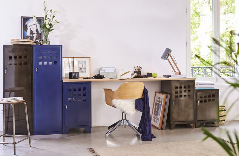 Une d co industrielle avec les meubles de rangement pierre - Meuble pierre henry ...
