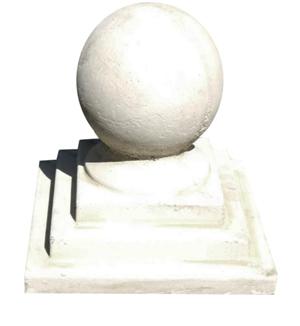 Statuette de jardin en pierre boule
