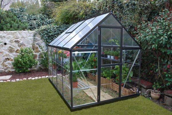 A faire au jardin en automne protection plantes sensibles serre